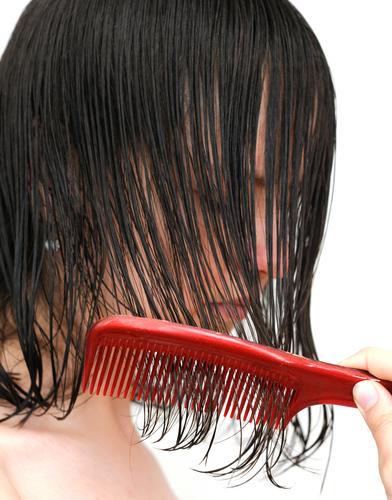 髪 湿気 ぺたんこ