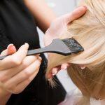 髪の根元がギザギザになる原因は?パーマやカラーには注意が必要?