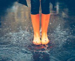 梅雨 髪 うねり