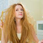 髪がはねる原因は?髪を内側にまとめる方法をご紹介!
