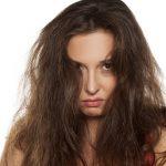 寝起きの髪のうねりは何が原因?うねらない対策法はコレだったんです!