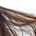 静電気が髪の毛に与える影響とは?頭皮トラブルも注意が必要なんです♪