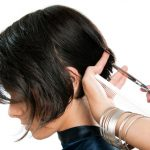 頭が蒸れて暑い!髪の量が多い人は梳いたほうがいいの?