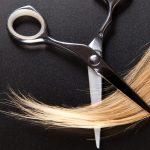 髪がチリチリになったら切るしかないの?効果的な対処法はコレだったんです!
