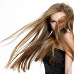 髪の毛が静電気でおでこに張りつく!3つの対処法とは?